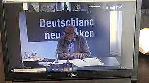 Der Vorstandsvorsitzende des Roman Herzog Instituts, hakt nach.