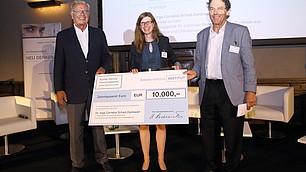 Die Preisträgerin Inga C. Schad-Dankwart mit Randolf Rodenstock und Laudator Dieter Frey