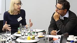 Sabine Pfeiffer und Detlef Fetchenhauer diskutieren