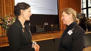 Tina Maier-Schneider im Gespräch mit Christine Thunig, Universität Bayreuth