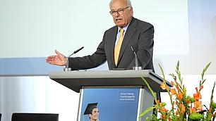 Prof. Randolf Rodenstock kündigt die Ausschreibung 2019 an