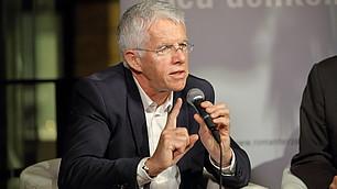 Nicht müde, sein Konzept zu verteidigen, wurde Thomas Straubhaar.