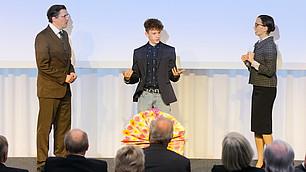 """Theaterstück """"Hausaufgaben für die Zukunft"""": Andreas Bittl, Jonas Holdenrieder und Kathrin Anna Stahl"""