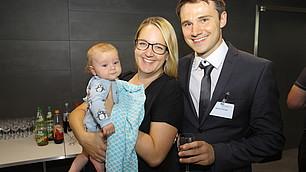 Preisträgerin Prof. Edinger-Schons mit Familie