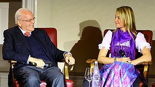 Roman Herzog im Gespräch mit der Segelsportlerin Tina Lutz über Vertrauen in der Politik und im Sport auf dem RHI-Symposium am 22. November 2012