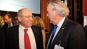 Alfred Gaffal, Präsident der vbw, im Gespräch mit Albert Duin (FDP)