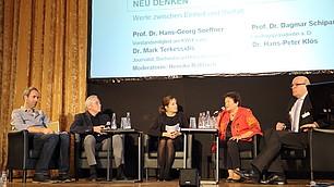 Gesprächsrunde: (v. l) Dr. Mark Terkessedis, Prof. Dr. Hans-Georg Soeffner, Henrike Roßbach, Prof. Dr. Dagmar Schipanski und Dr. Hans-Peter Klös