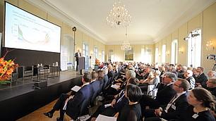Voll besetzter Hubertussaal im Schloss Nymphenburg