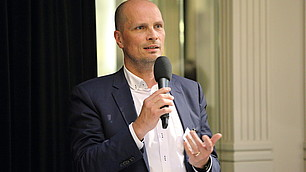 """""""Bedingungslosigkeit ist keine Option"""", so Dominik Enste."""
