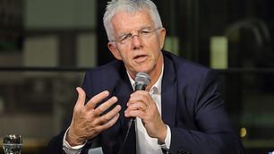 """""""Es ist höchste Zeit für ein bedingungsloses Grundeinkommen"""" sagt Ökonom Straubhaar."""