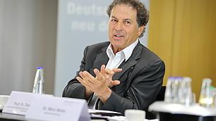 Akzeptanzproblematik, Prof. Dr. Dieter Frey