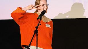 Poetry Slam Einlage von Franziska Holzheimer zum Thema: Wert der Arbeit im Zeitalter von youtube und co.