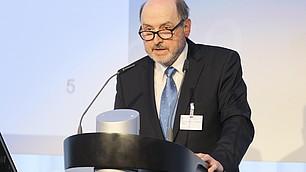 Prof. Hradil spricht über die demografischen und soziostrukturellen Herausforderungen Deutschlands