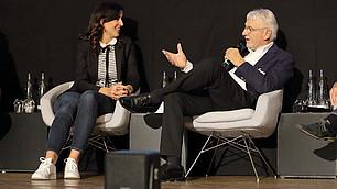 Social Media Expertin Magdalena Rogl und Hirnforscher Gerhard Roth im Gespräch.
