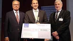 Preisträger Dr. Ekkehard Köhler mit Prof. Randolf Rodenstock und Laudator Prof. Dr. Werner Abelshauser