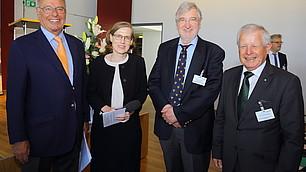 Prof. Randolf Rodenstock, Heike Göbel, Prof. Dr. Werner Abelshauser und Dr. Fritz Kempter (von links)