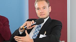 Julian Dörr argumentiert beim Generationentak