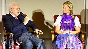 Prof. Herzog mit der Seglerin Tina Lutz