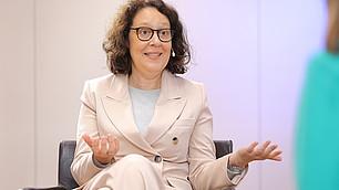 Resilienz ist erlernbar, so SZ-Journalistin Christina Berndt