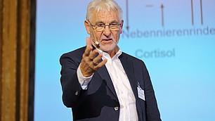"""""""Intrinsische Belohnung ist die einzige Belohnung, die nicht in Sättigung übergeht"""", Gerhard Roth."""