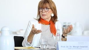 """Margit Osterloh: """"Menschen müssen sich mehr durch die Politik vertreten fühlen!"""""""