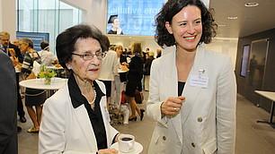 Mit den Gästen im Gespräch: Dr. Luise Gräfin Schlippenbach und Tina Maier-Schneider