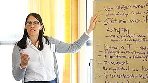 Corinna Gruber, RHI, präsentiert die Ergebnisse aus ihrer Gruppe