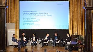"""""""Change is something to embrace"""" - die Referenten diskutierten zu gesellschaftlichen Perspektiven des Wandels."""