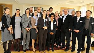 Die Teilnehmer des RHI-Workshops 'Führung neu denken'